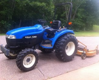 New Holland TC29D, TC33D Tractor